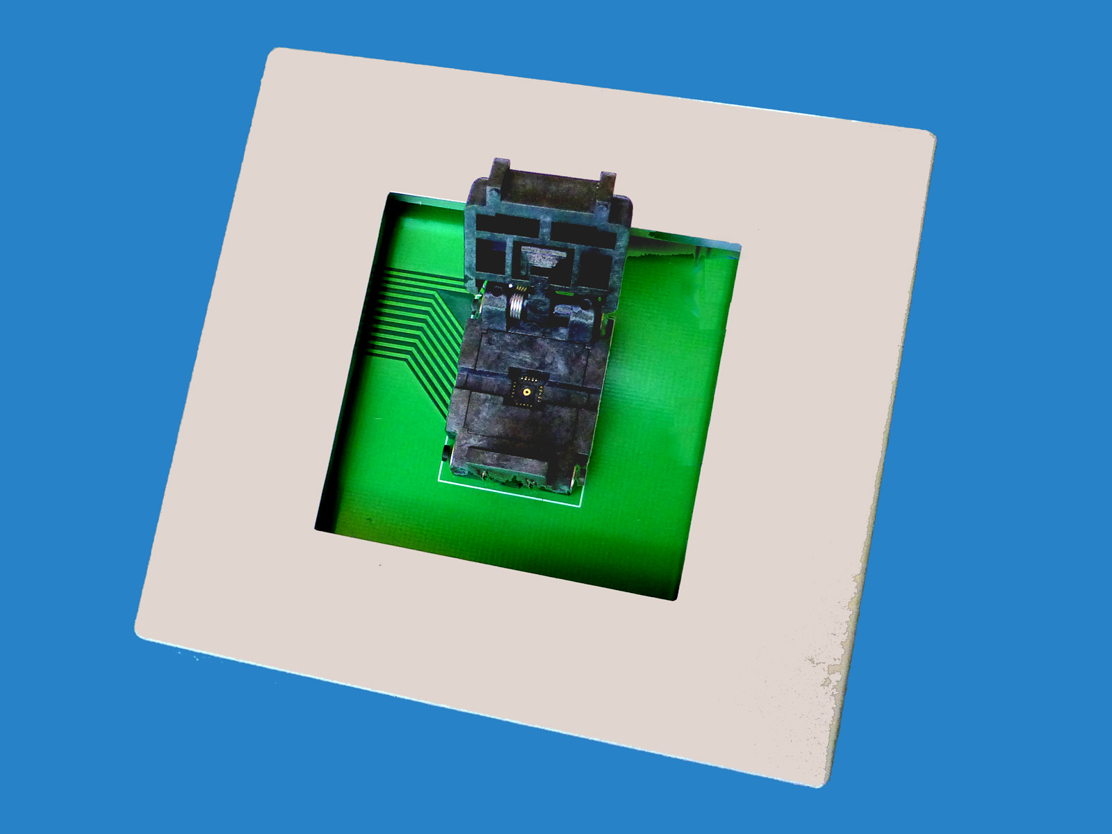 DX4011 QFN20 programmer adapter